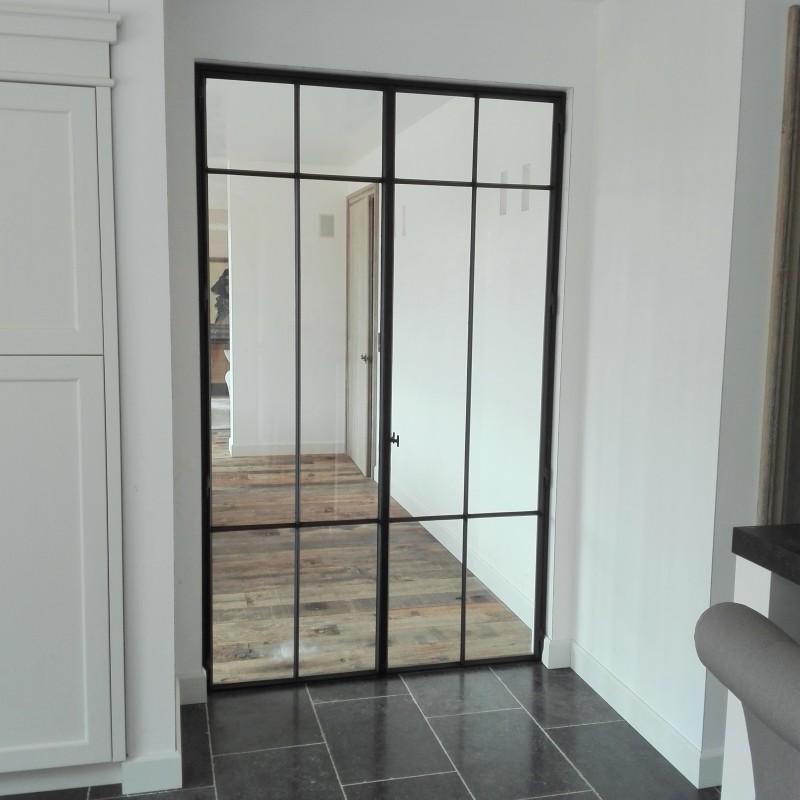 metalen deur met stopverf (H18)