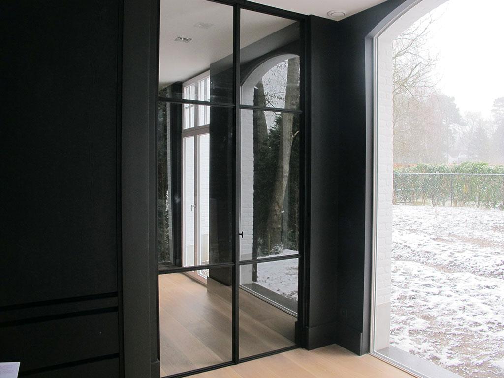 metalen strakke deur